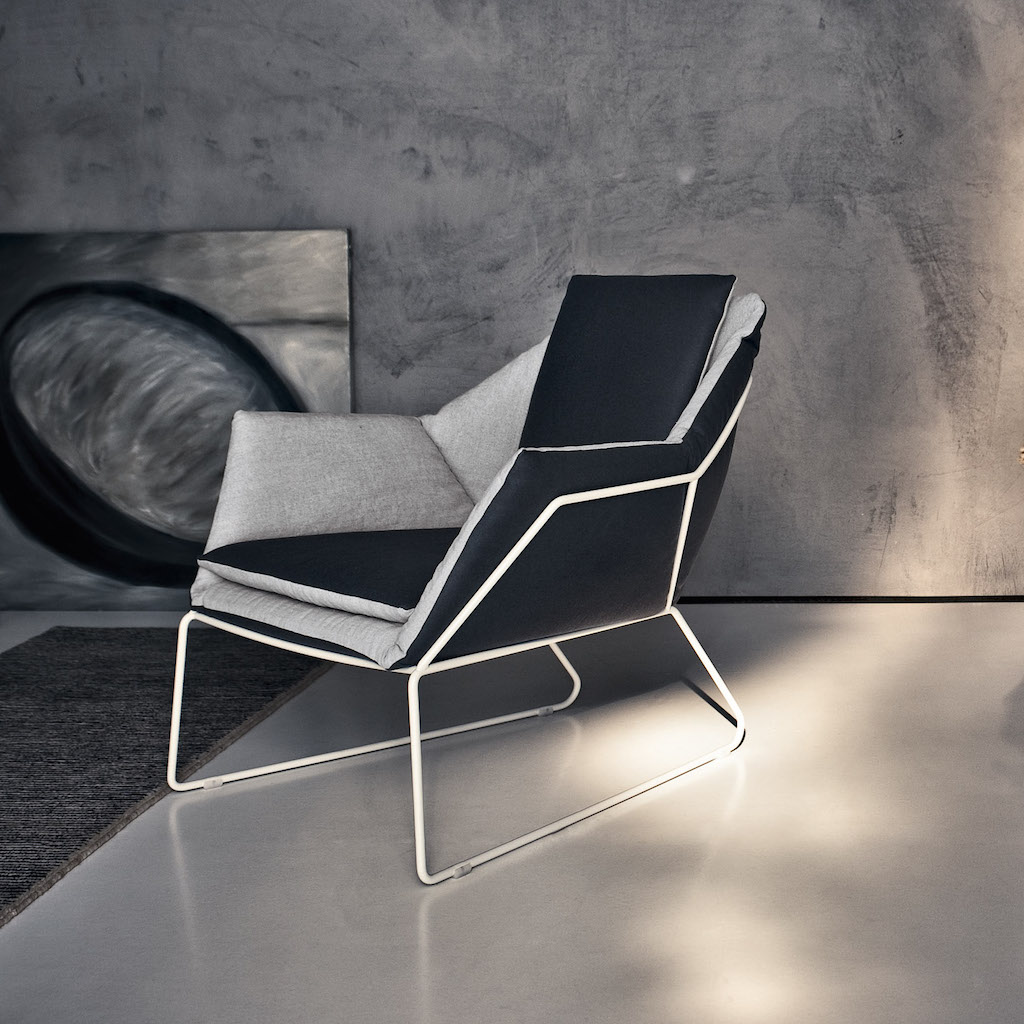 SabaItalia_NEW YORK_chair_black&white