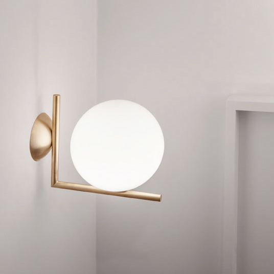Flos_IC LIGHTS_wall_brass